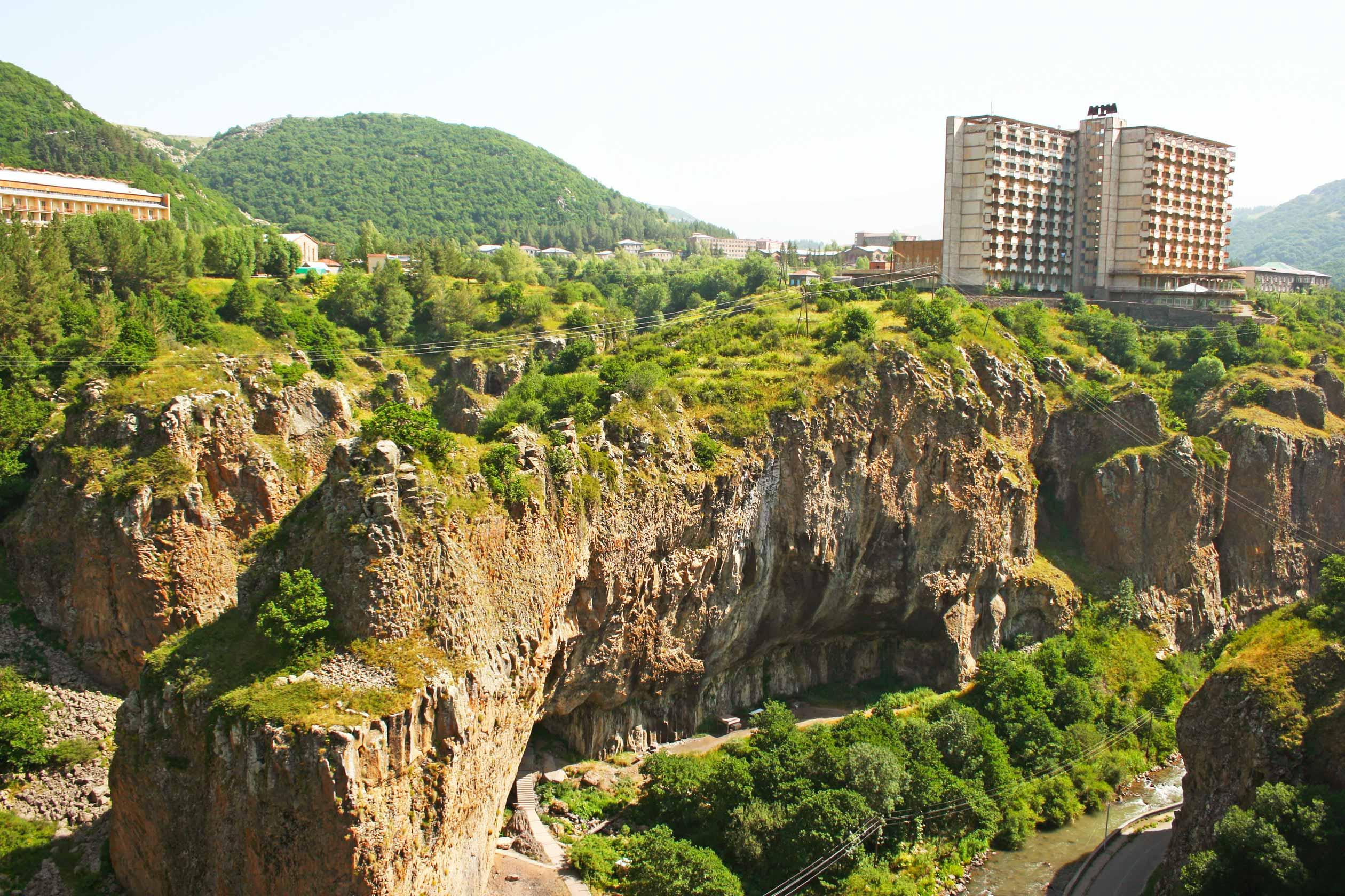Курорты Армении, Арзни