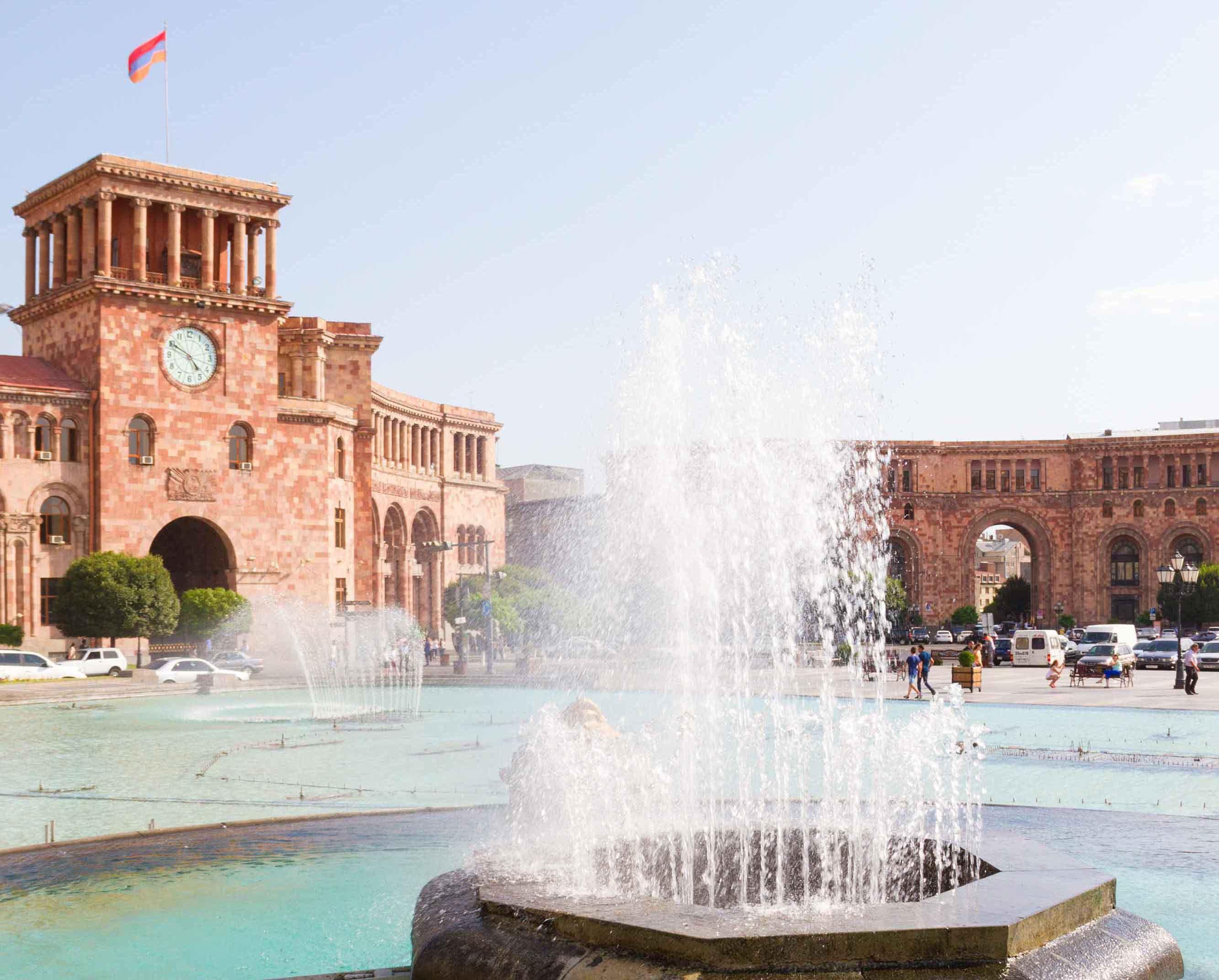 Где находится Армения? Ереван, площадь республики, туф, фонтан в Ереване