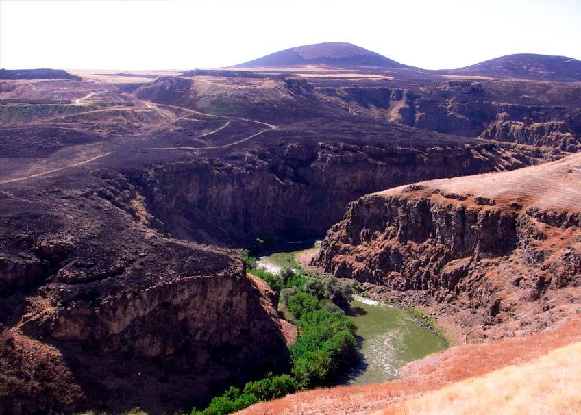 Jean-&-Nathalie-Ахурян-река Реки Армении