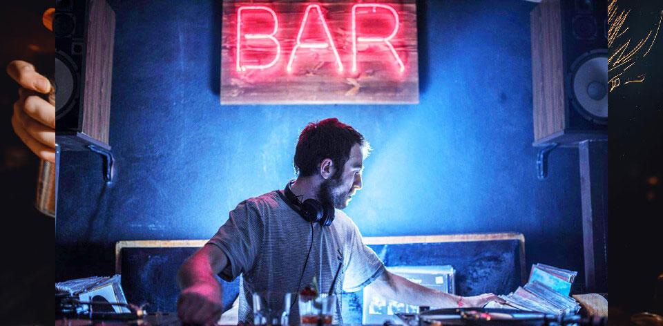 Simona bar